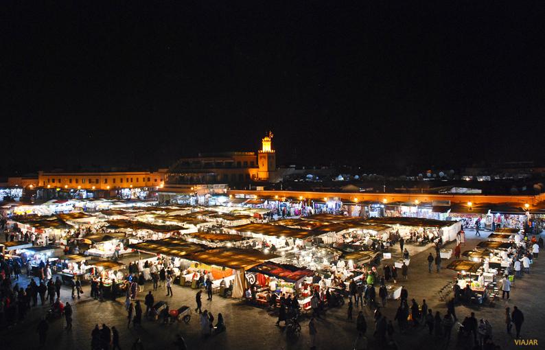 Plaza Yamaa el-Fna desde el Café Glacier de Marrakech. Marruecos