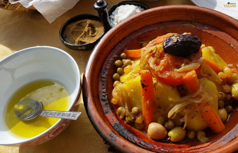 Tajine de pollo. Marruecos