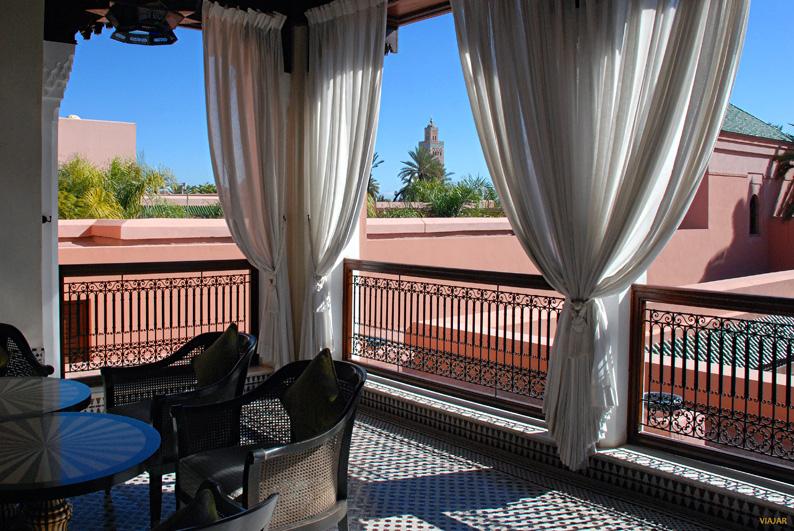 Terraza exterior con vistas a la Kutubia. Hotel Royal Mansour. Marrakech