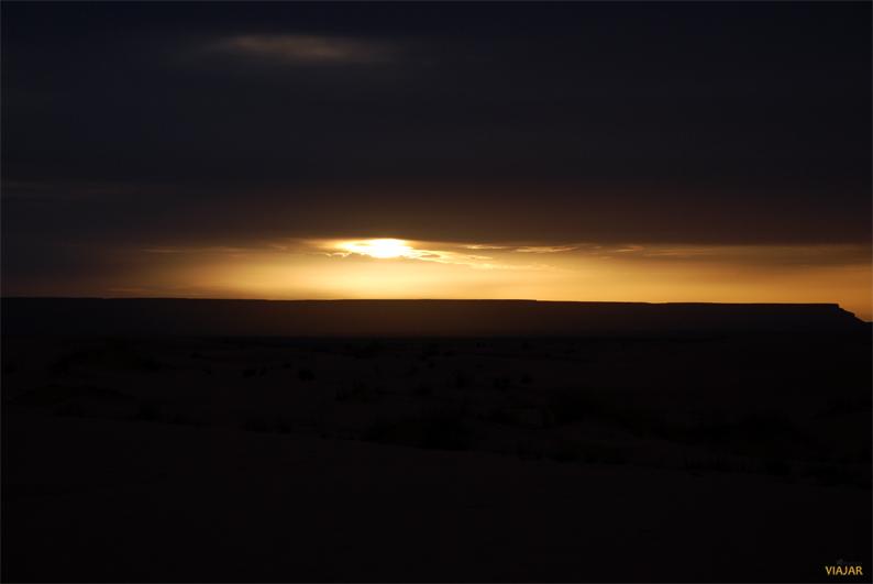Amanece en el desierto. Marruecos
