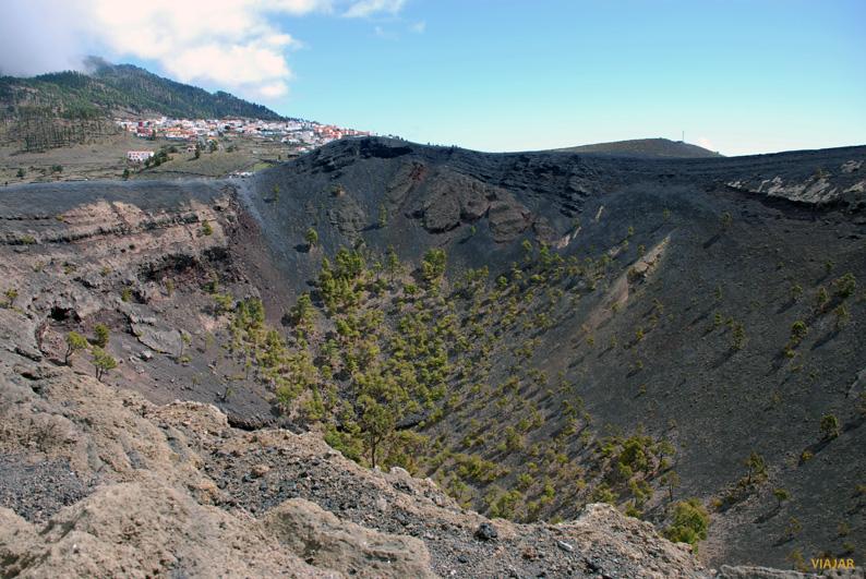 Cráter del Volcán de San Antonio. La Palma