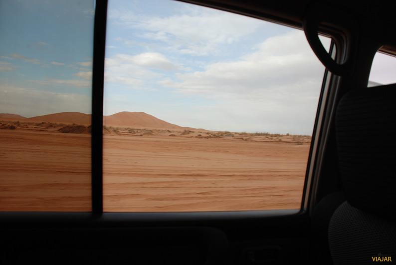 Despidiéndonos de Erg Chebbi. Marruecos