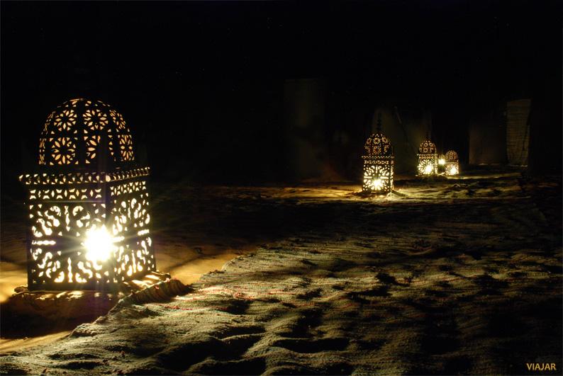 Disfrutando de la soledad en el desierto. Marruecos
