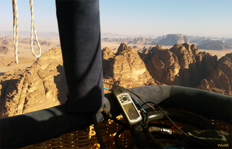 Sobrevolando Wadi Rum en globo. Jordania
