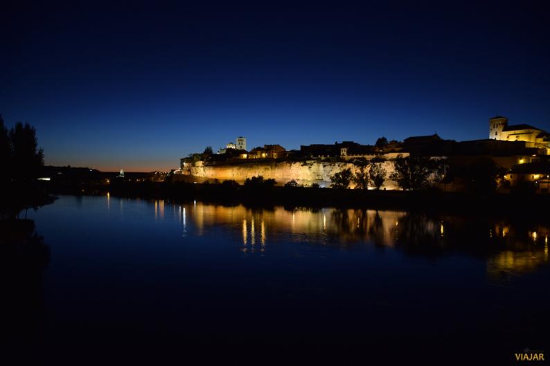 Anochece en Zamora