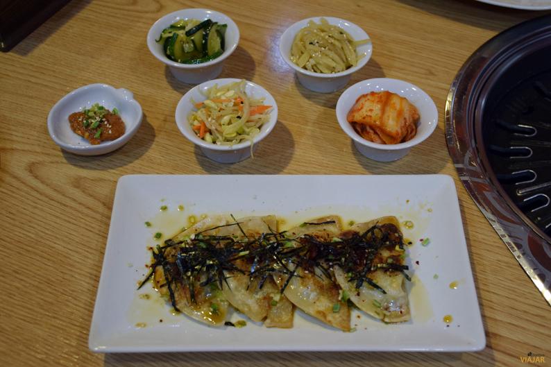 Aperitivos coreanos y gyozas. Restaurante Maru
