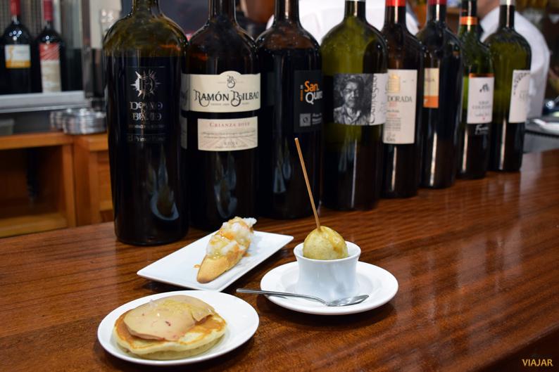 Blinis con foie, chupa chup y bacalao. Los Caprichos de Meneses. Zamora