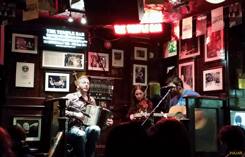 Musicos en The Temple Bar. Dublin
