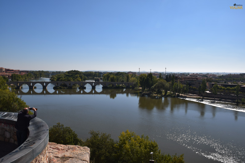 Puente de Piedra. Zamora