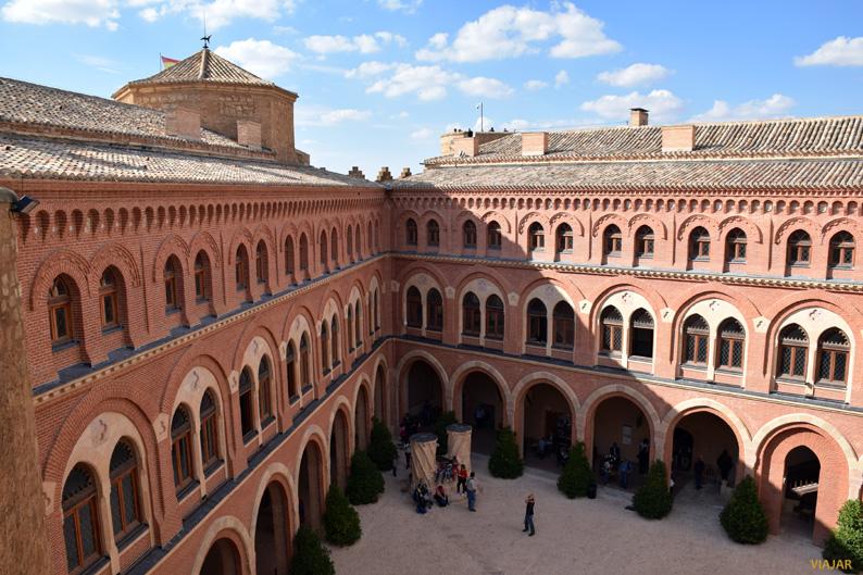 Patio de armas. Castillo de Belmonte