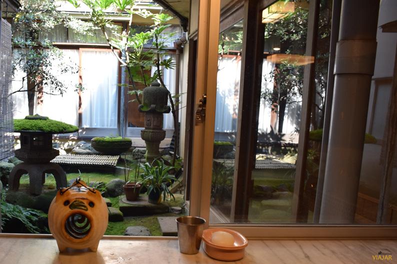 Patio del Murataya Ryokan. Kanazawa, Japón