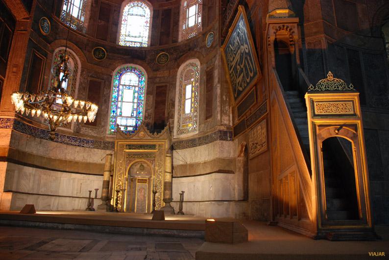 Altar y minbar de Santa Sofía. Estambul