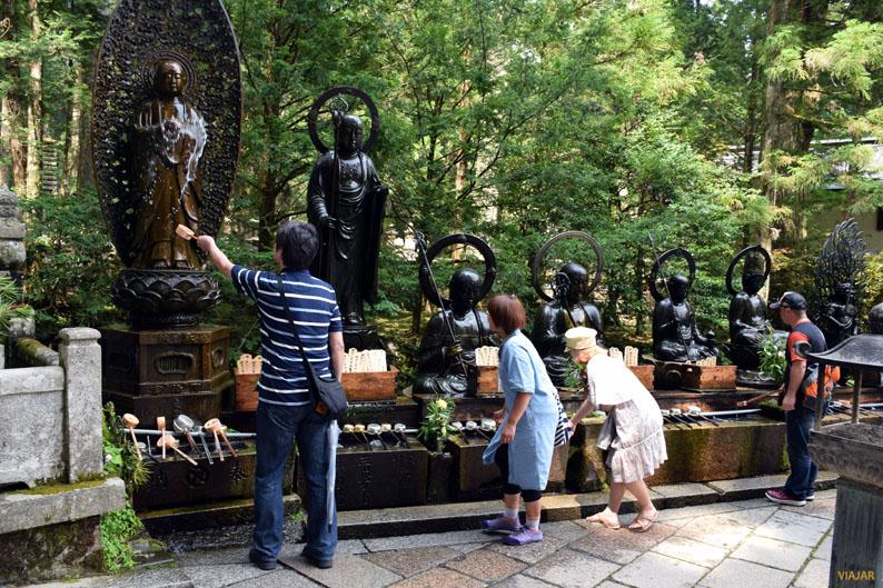 Cementerio de Okunoin en Koyasan. Japón