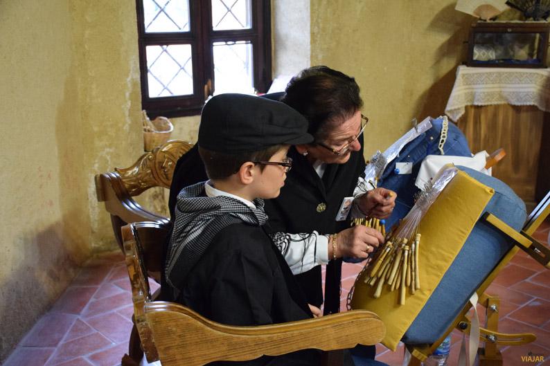 Demostración de oficios artesanales en el Castillo de Yeste. Sierra del Segura