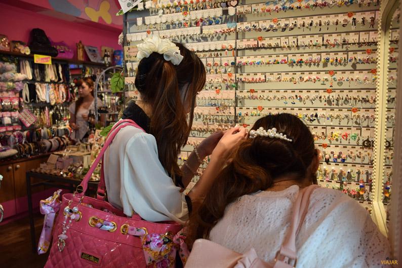 Jóvenes japonesas de compras
