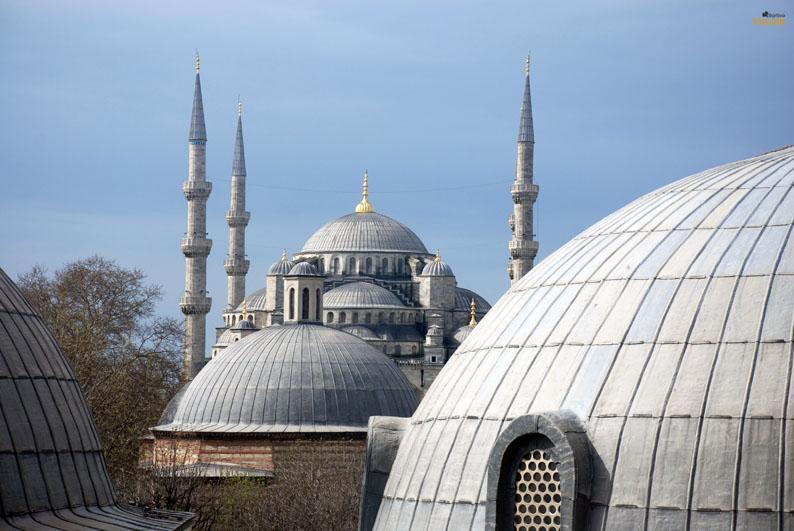Vista de la Mezquita Azul desde Santa Sofía. Estambul