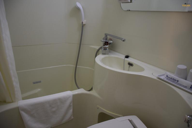 Baño. Super Hotel Hida. Takayama. Japón