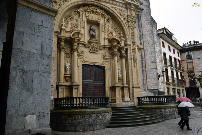 Iglesia de San Juan Bautista. Casco viejo monumental de Hernani. Territorio de la Sidra