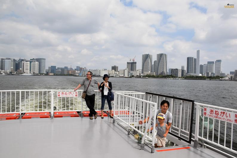 El skyline de Tokio desde el mar