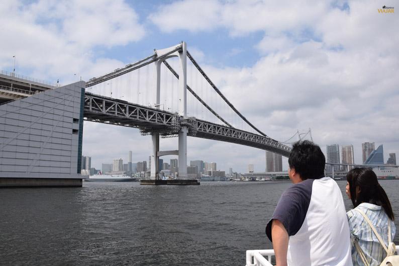 Llegando al Rainbow Bridge. Paseo en barco por el río Sumida