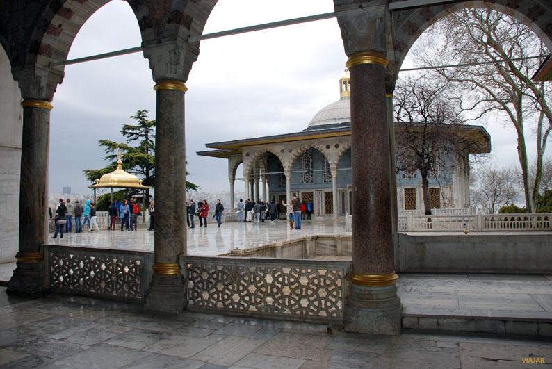 Terraza y Quiosco de Bagdad. Palacio Topkapi. Sultanahmet. Estambul