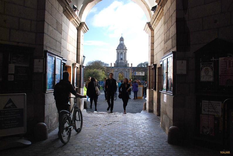 Front Gate. Trinity College, Dublín