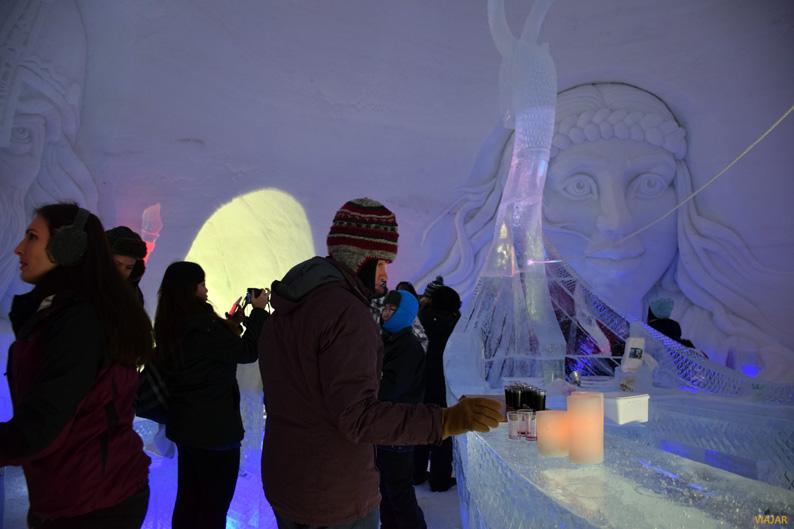 Ice bar. Kirkenes Snowhotel. Laponia noruega