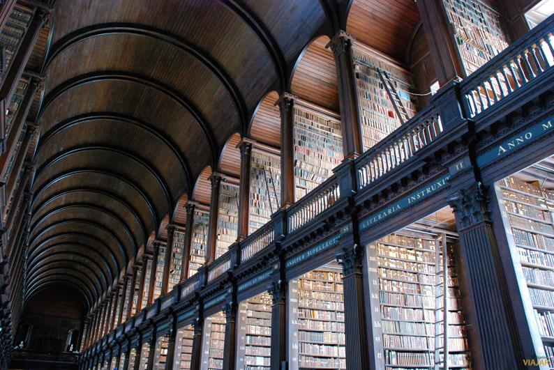 La antigua biblioteca del Trinity College. Dublin