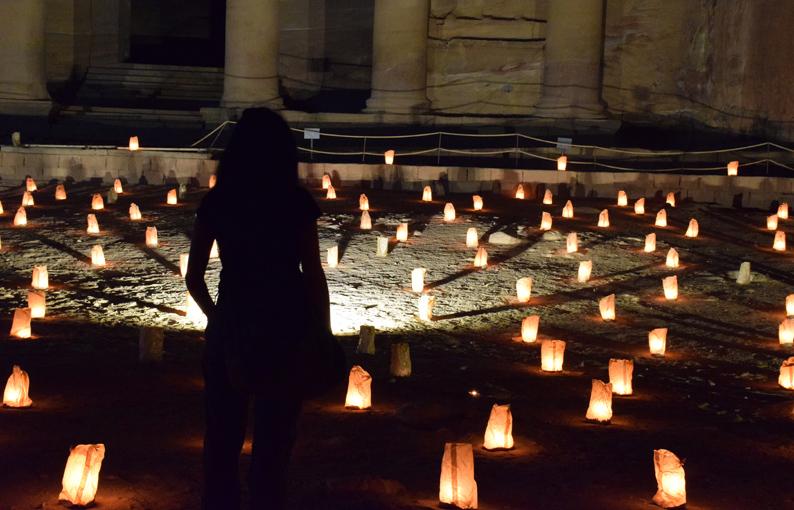 Visita nocturna a Petra. Jordania