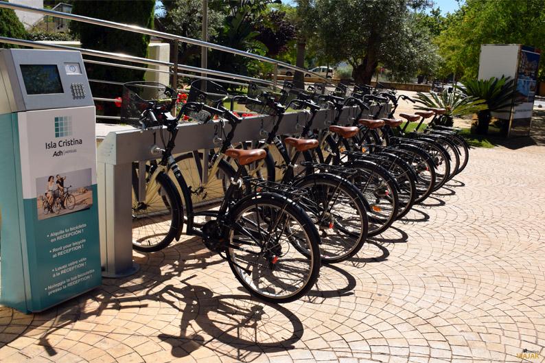 Alquiler de bicicletas. Hotel ADH Isla Cristina