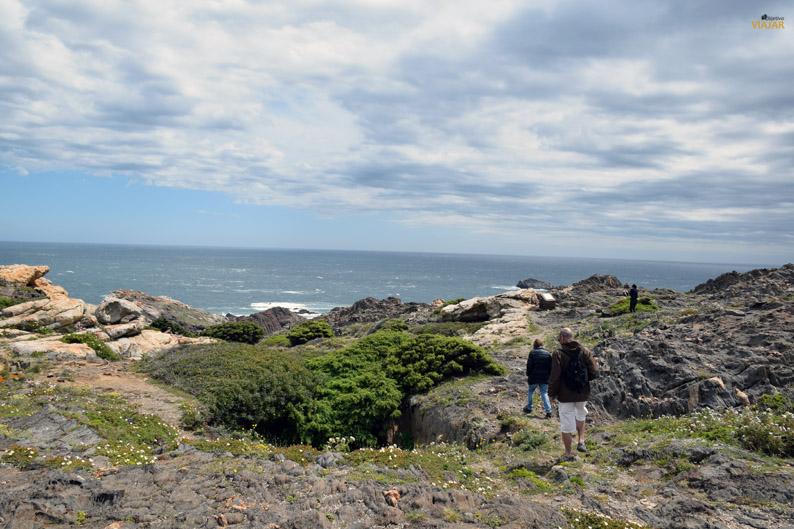 Excursionistas en el Parque Natural del Cap de Creus
