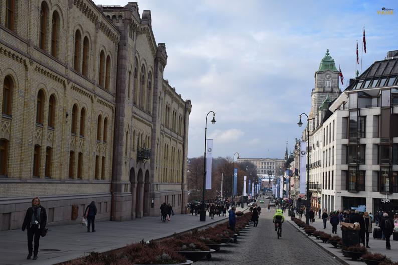 Karl Johans Gate. Viajar a Oslo