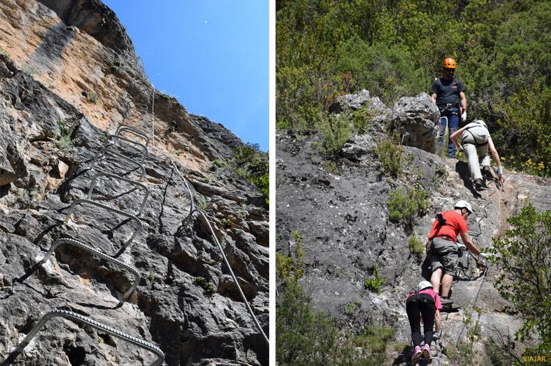 Ascenso en la vía ferrata de Priego. Provincia de Cuenca