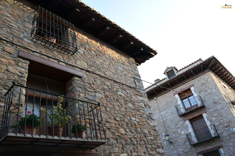 Piedra, madera y forja. La Puebla de Valverde