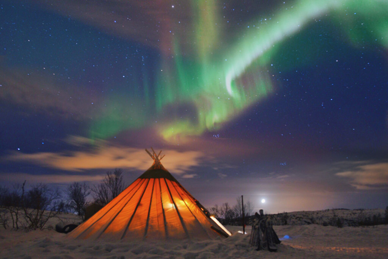 Aurora boreal en la Laponia Noruega © Oliver Vegas