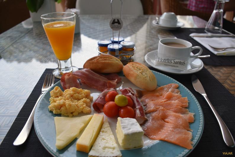 Desayunando en el Hotel Las Arenas Balneario Resort