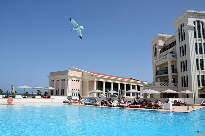 Piscina. Hotel Las Arenas Balneario Resort