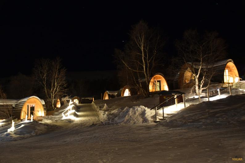 Cabañas de madera. Hotel de hielo
