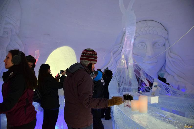 Ice bar. Kirkenes Snowhotel. Hotel de hielo
