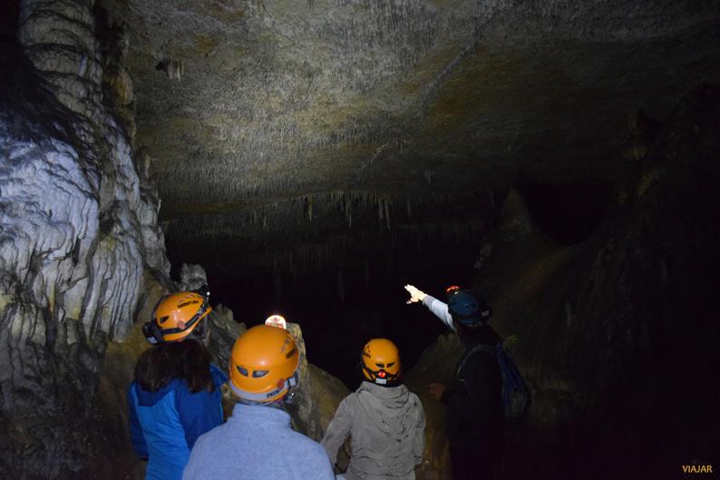 Cueva de los Cristinos. Sierra de Urbasa. Tierra Estella. Navarra
