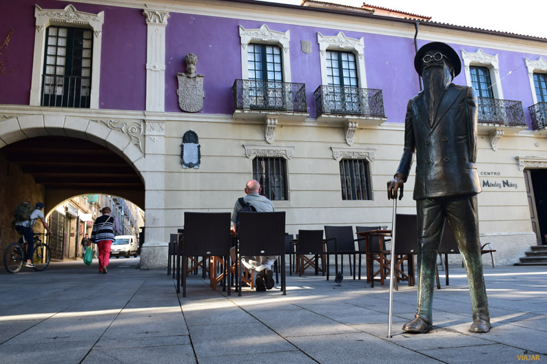 Estatua de Valle-Inclán. Pontevedra