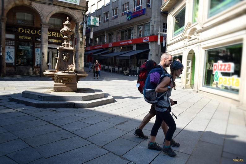 Peregrinos en la ciudad del Lérez. Terras de Pontevedra