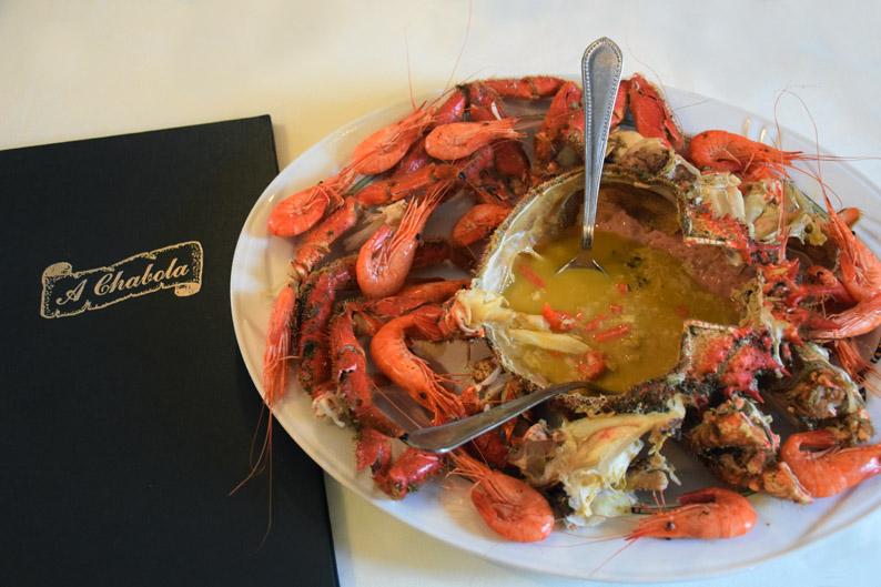 Los sabores del mar representados en esta centolla. Restaurante A Chabola. Vigo