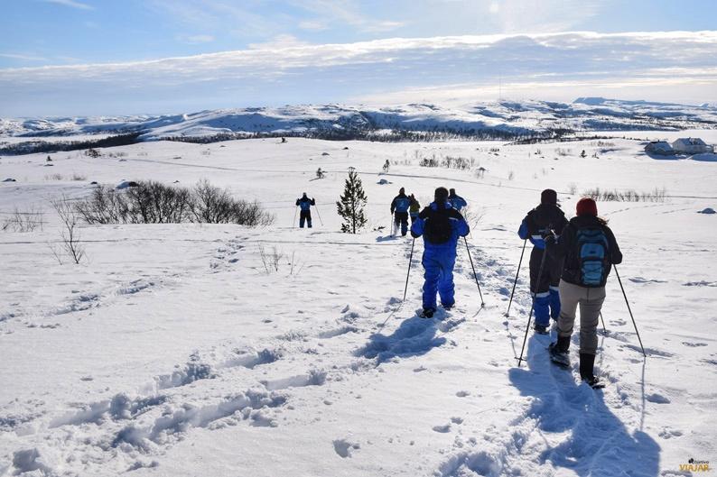 Trekking con raquetas de nieve. Laponia noruega