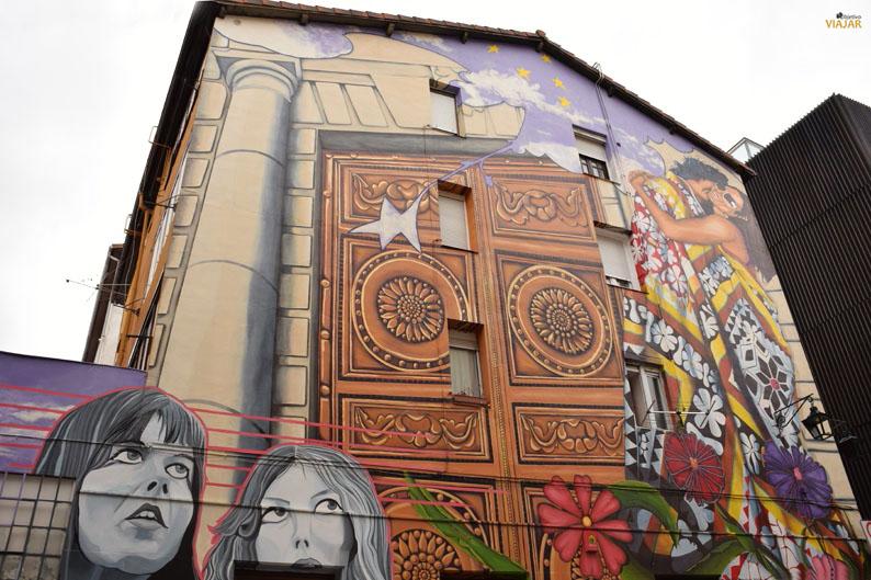 Cubiertos de cielo y estrellas. Murales de Vitoria-Gasteiz