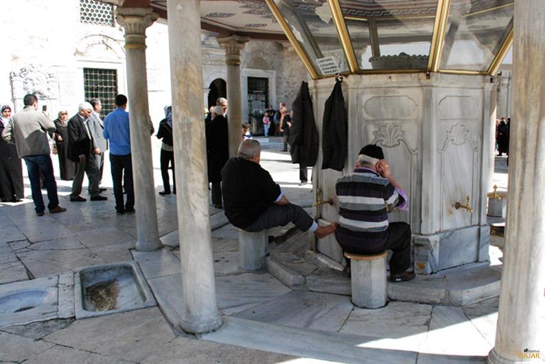 Fuente de las abluciones. Mezquita de Eyüp. Estambul