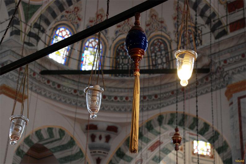 Interior de la mezquita de Fatih. Estambul
