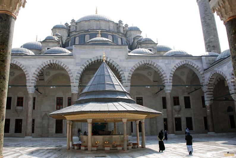 Mezquita de Fatih. Estambul
