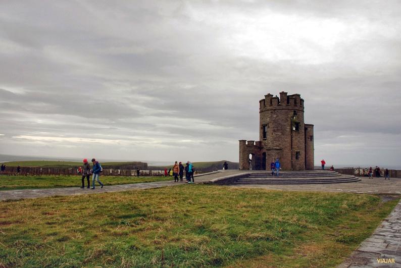 Torre de O'Brien. Acantilados de Moher. Irlanda