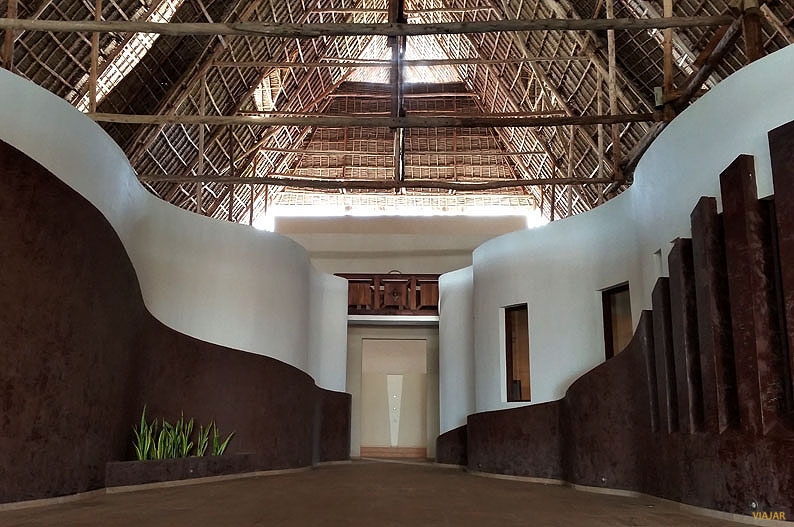 Hall. Essque Zalu Zanzibar